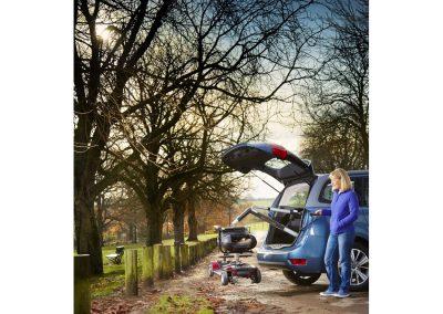 Stephanie Alfreton Park Shot 3 25461 5 Mk2_new_handset_edit_V2